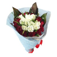20 Red and White Roses Bouquet