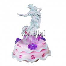 Dancing Couple On Music Box (Pink)